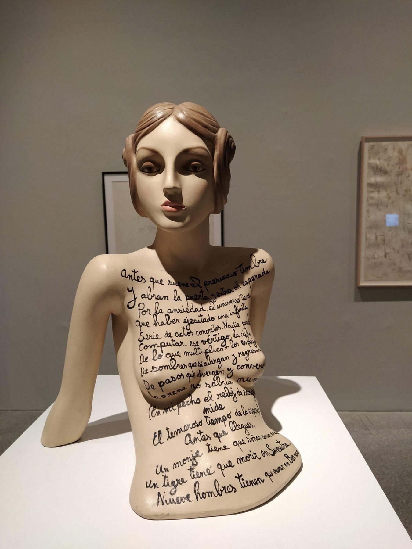 ARTE: La bondadosa crueldad. Por Constanza Meyer – Sonia Riera – Mila Haynes